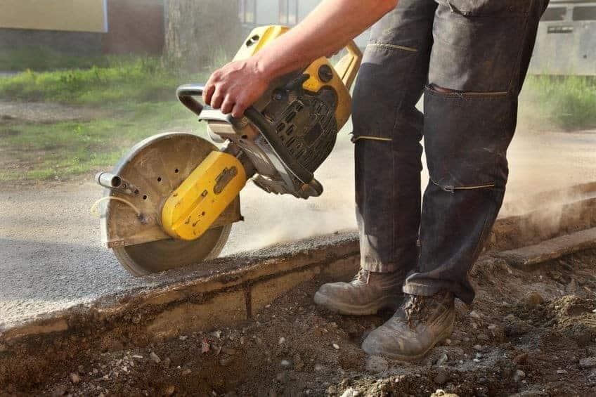 מנסר בטון