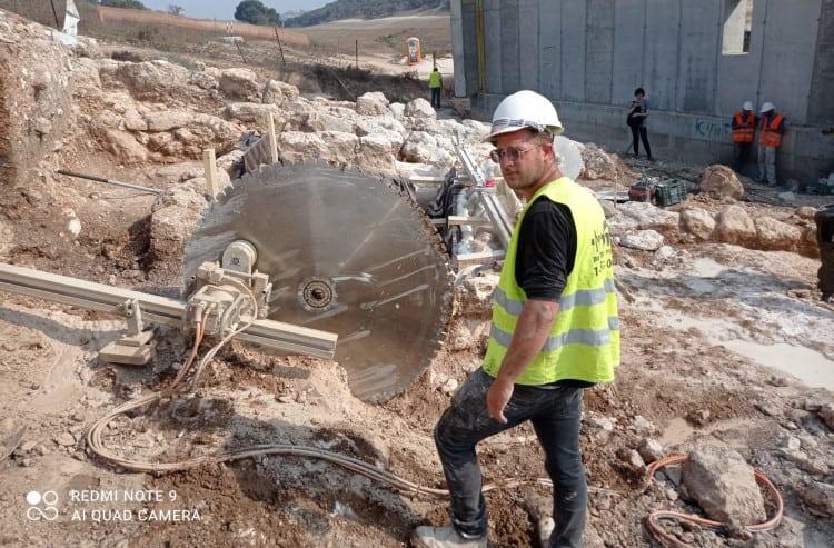 קידוח וניסור סלעים ואבן