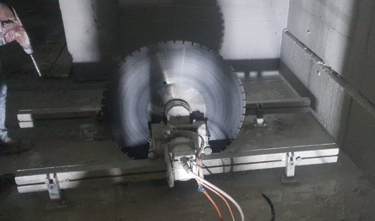 ניסור רצפת בטון ביהלום