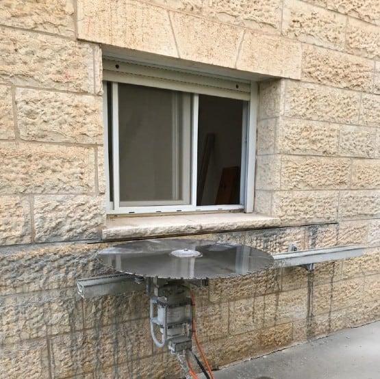 ניסור בטון להרחבה או פתיחת חלון
